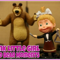 Friv Pink Little Girl and Bear Moments Online
